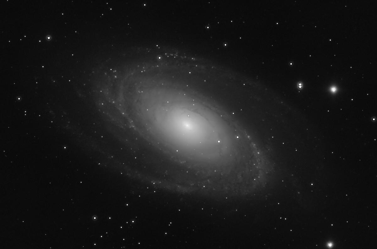 [Bild: M81-AOMred-50pr-1200x750.jpg]