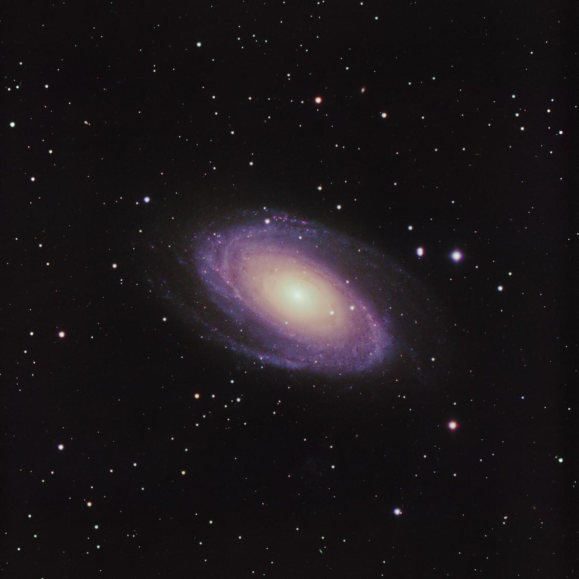 [Bild: M81-LRGB-33pr-1130x1130-C.jpg]